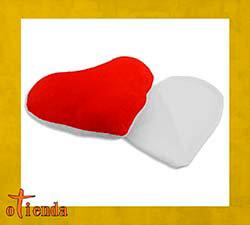 Cojín corazón con dorso rojo personalizado de 22 x 18 cm